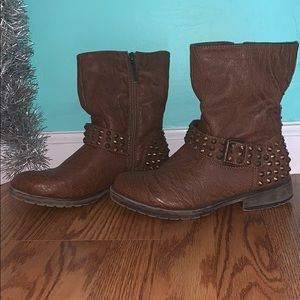 Shoes - Brown studded boots